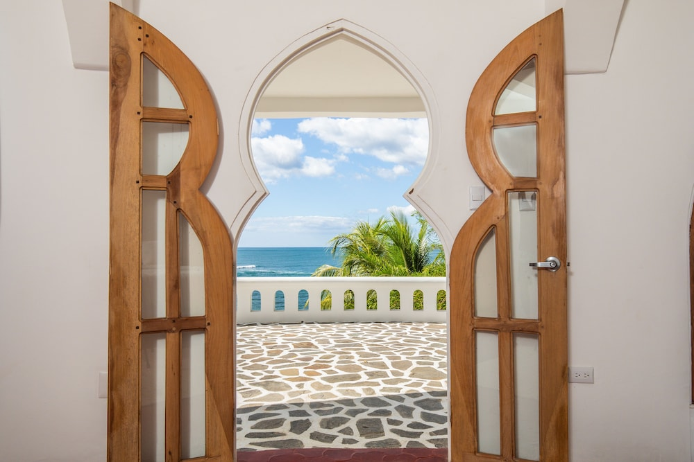 Interior Entrance, Nosara Beach Hotel