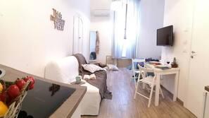 Mobiliario individual, tabla de planchar con plancha, wifi gratis