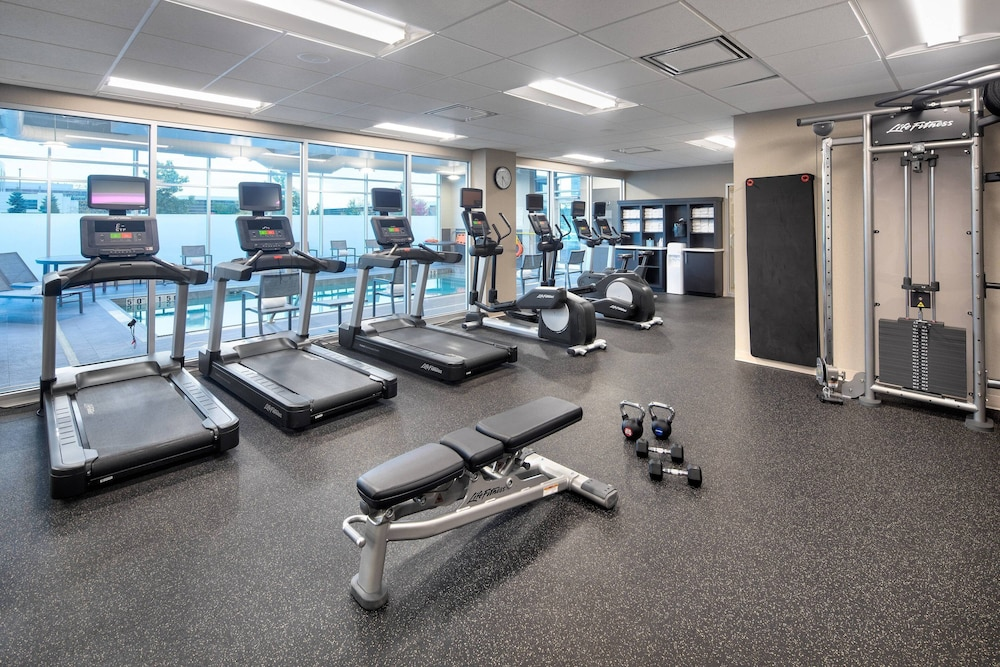 Fitness Facility, Residence Inn by Marriott Toronto Mississauga West