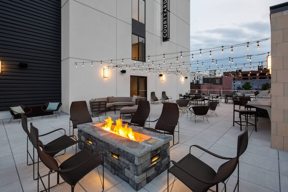 BBQ/Picnic Area, Courtyard by Marriott Knoxville Downtown