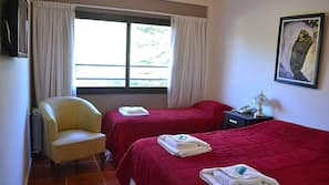 Ropa de cama hipoalergénica, escritorio, cortinas opacas y wifi gratis