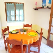 Bungalow With one Bedroom in Saint-pierre, With Wonderful Mountain View, Furnished Garden and Wifi - 3 km From the Beach