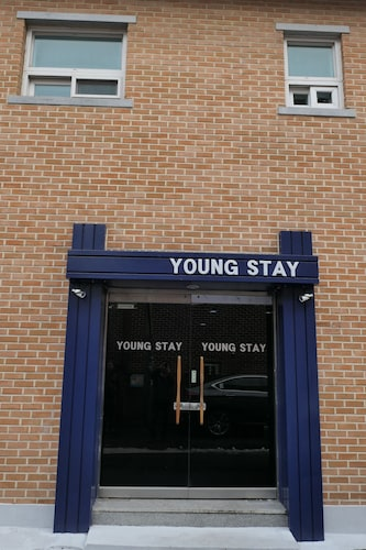 YOUNG STAY - Hostel