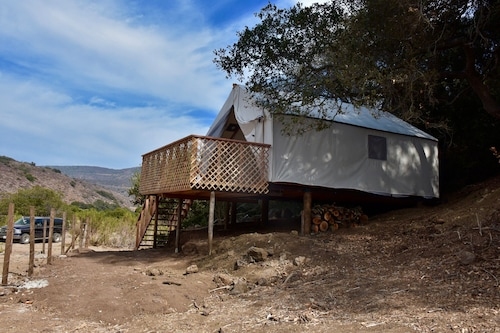 Off the Grid on a Nearly 900 Acre Ranch