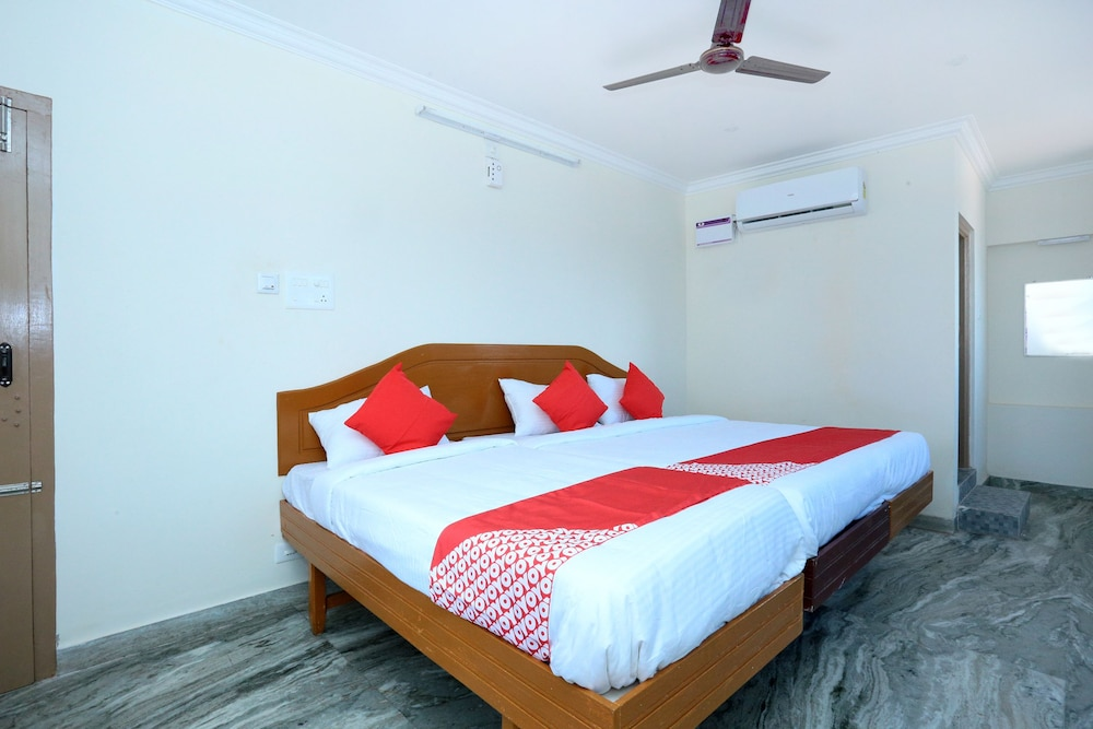 OYO 17423 Hotel Vishnu Ram Deals & Reviews (Nagercoil, IND) | Wotif
