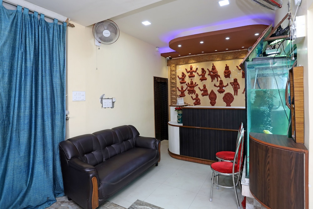 OYO 16059 Roland Inn in Kolkata | Cheap Hotel Deals & Rates
