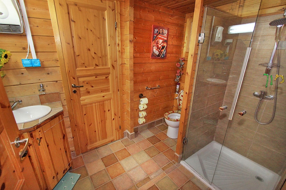 Bathroom, Eden Ramot Chalets
