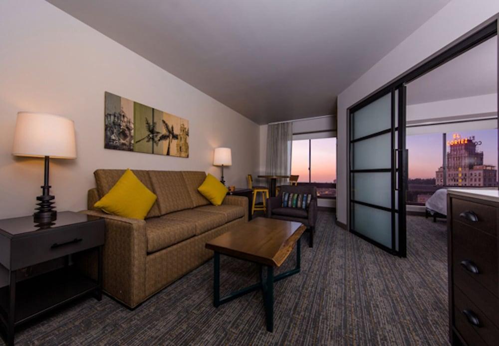 Surprising Marriott Vacation Club Pulse San Diego Comic Con 1 Download Free Architecture Designs Jebrpmadebymaigaardcom