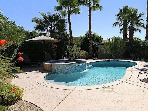 Palm Springs Home W/ Private Saltwater Pool & Spa