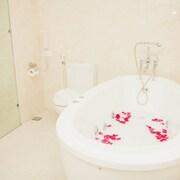 Bồn tắm spa riêng