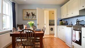 Fridge, hob, dishwasher, toaster