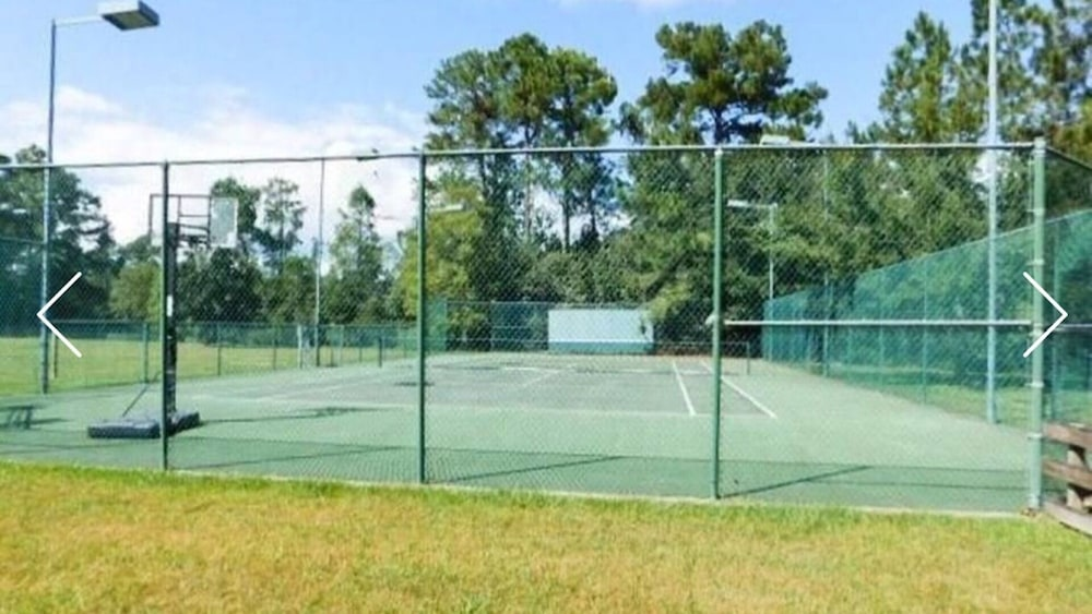 Sport Court, Beautiful Executive Estate Only 20 Minutes From New Orleans