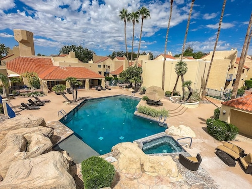 Spacious Luxury Tucson Foothills Condo