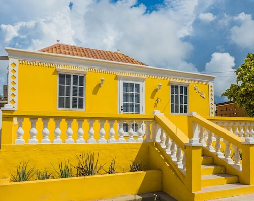 Old Aloe House - A 100 Year Old, Fully Renovated Vacation Home