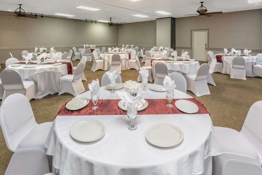 Banquet Hall, Ramada by Wyndham Texarkana