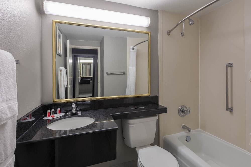 Bathroom, Ramada by Wyndham Texarkana