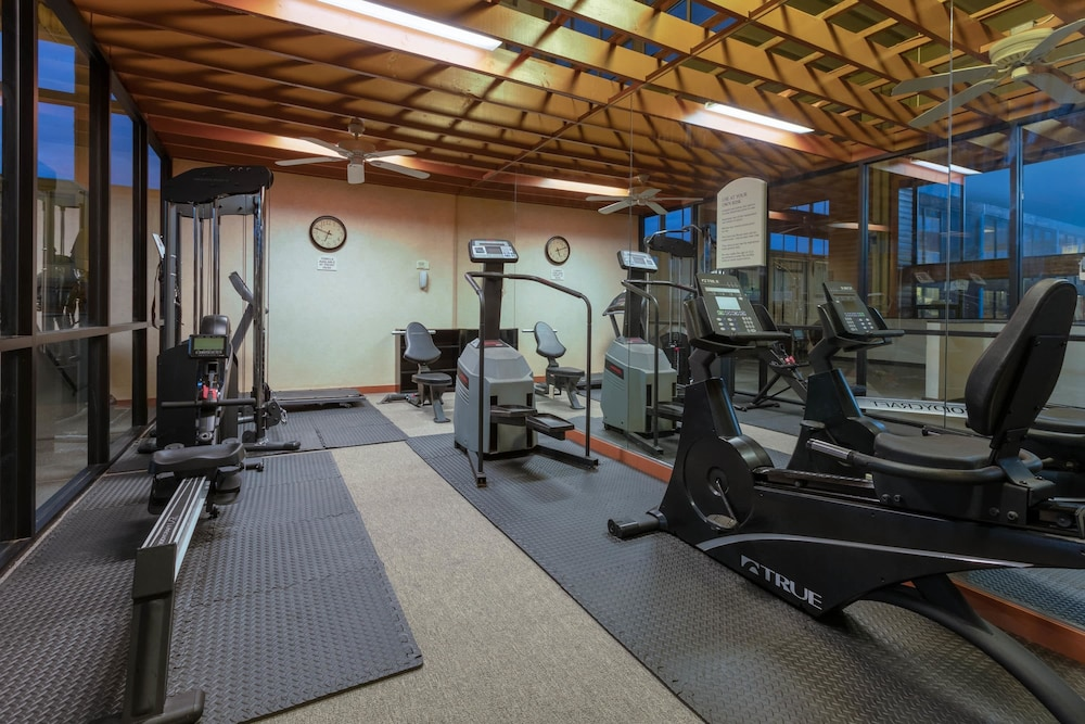 Fitness Facility, Ramada by Wyndham Texarkana