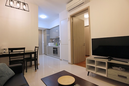Gem of the West 1BR Apartment 3 Minutes From Jurong E MRT