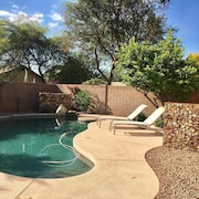 3 Bedroom Home, W/private Pool - Walk to Desert Ridge, Newly Remodeled