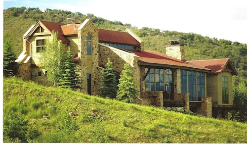 Luxury Ski In/out 8 Bedroom Tuscan Villa in Exclusive Community