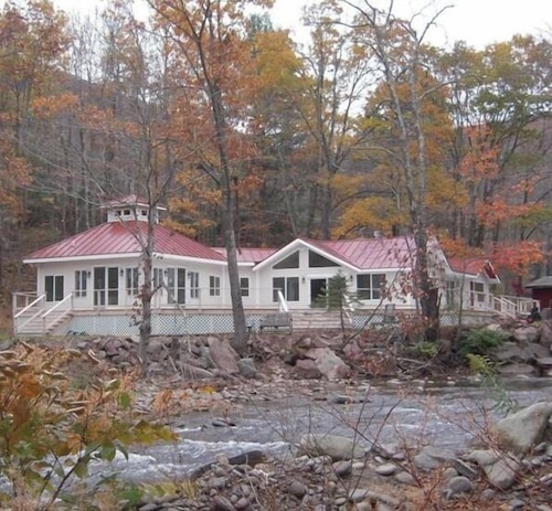 Catskill Mountains Retreat With Creek Frontage