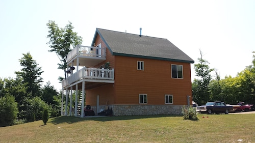 Pictured Rocks Lodge 5 Minutes From Munising! Newly Remodeled!