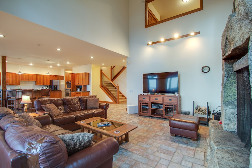 Remarkable New Listing Secluded Luxury Home W Fireplace Game Room Beutiful Home Inspiration Cosmmahrainfo