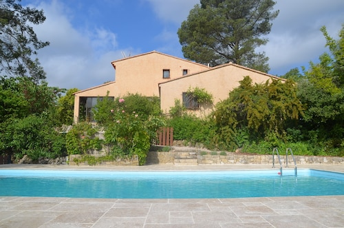 Spacious Villa With Pool 12 People Between the Mediterranean sea and Verdon
