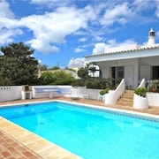 Family Villa.detached Large Pool, 3 Bedroom 2 Bathroom, Sea View