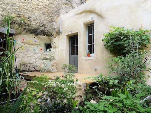 A Troglodyte House in the Center of Tours / Loire Valley