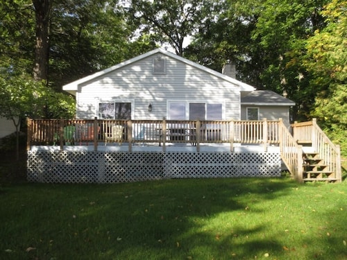 Reduced Rate for Aug. 17 - 24, 2019 for Cottage on Green Lake, Interlochen