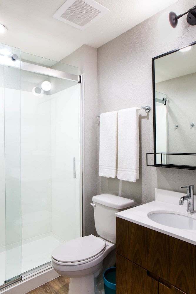 Bathroom, Uptown Suites Extended Stay Denver CO – Centennial