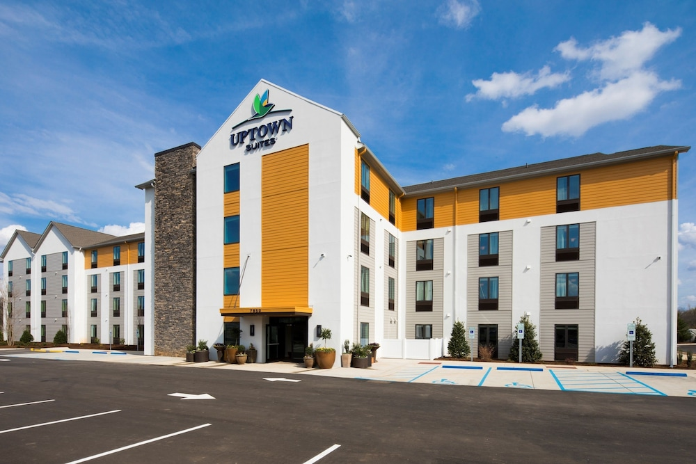 Front of Property, Uptown Suites Extended Stay Austin TX – North