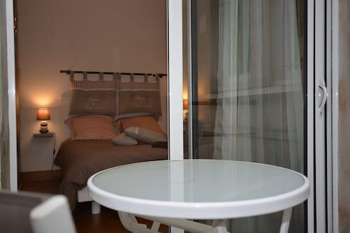 Cozy Private Room in Melun Midway Between the City Center and the Train Station
