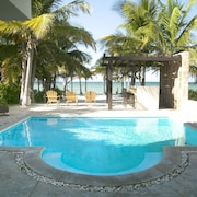 5 BR House with Pool and Private Beach