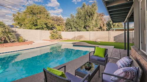 Spacious 3BR Pool by WanderJaunt