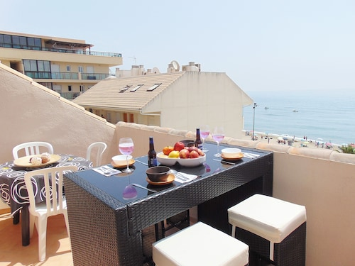 Luxury Apartment IN THE First Line OF Ideal Beach FOR Families