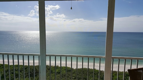 Oceanfront Barefoot Beach Club Upgraded Condo