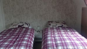 Free cots/infant beds, free WiFi, bed sheets