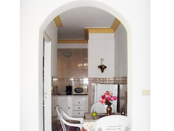 Apartment With one Bedroom in Hammamet, With Wonderful sea View, Furnished Garden and Wifi - 400 m From the Beach