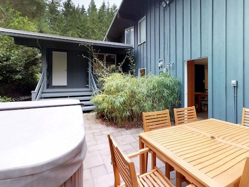 2 Bedroom West Vancouver Home in The Forest
