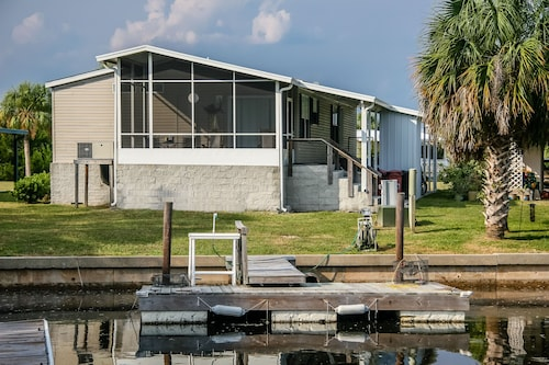 Dock of the Bay in Shell Point- Boots-dock, Pool, Billardtisch, Abgeschirmte Veranda, Wlan