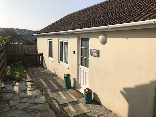Chy Lowen - Family-friendly Bungalow With Garden
