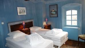 5 chambres, fer et planche à repasser, lit parapluie, Wi-Fi gratuit