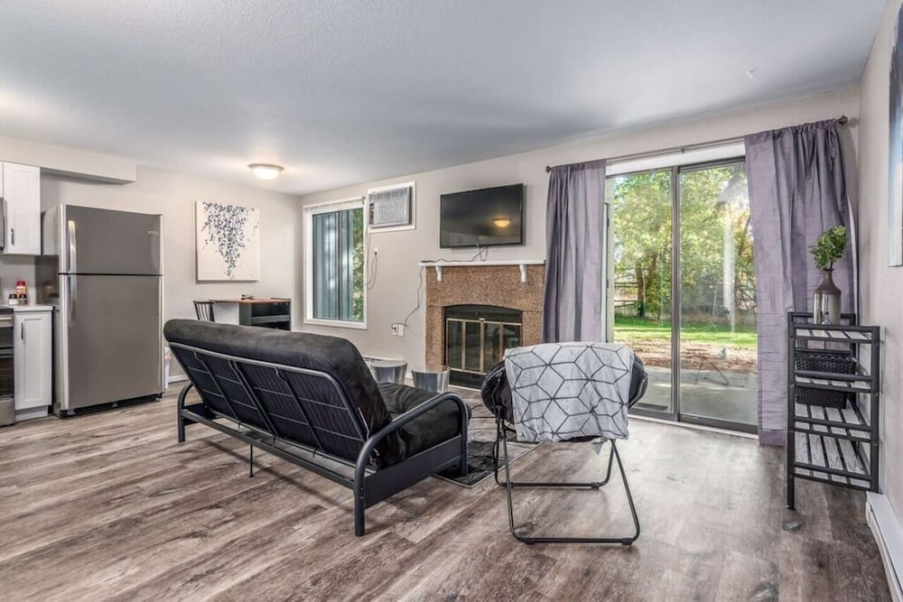 Living Room, Spokane Valley Condo! Short Drive to Downtown!