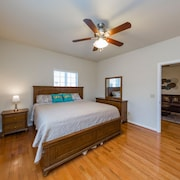 A1 Private Cozy 2 King Bedroom Suites Near Downtown Nashville <10min