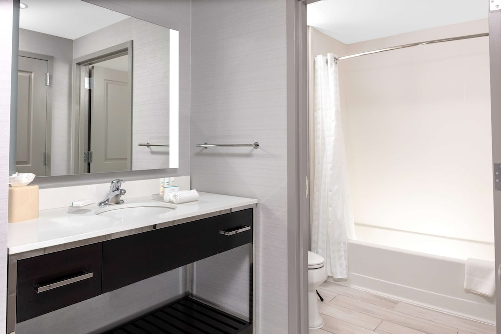 Bathroom, Homewood Suites by Hilton Largo/Washington, D.C.