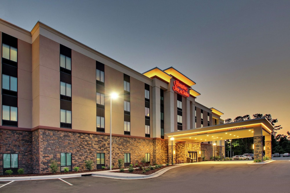 Featured Image, Hampton Inn & Suites Southport
