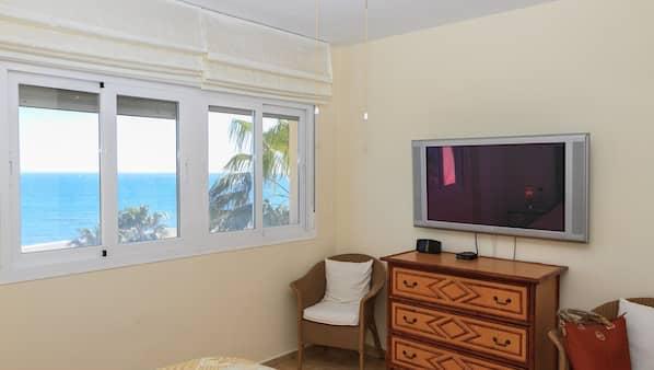 3 dormitorios, tabla de planchar con plancha, wifi gratis y ropa de cama