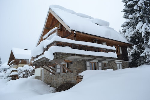 Luxury Chalet Ski-in Ski-out